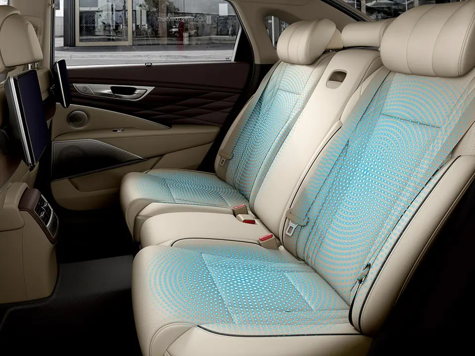 Rear seat cooling ventilation